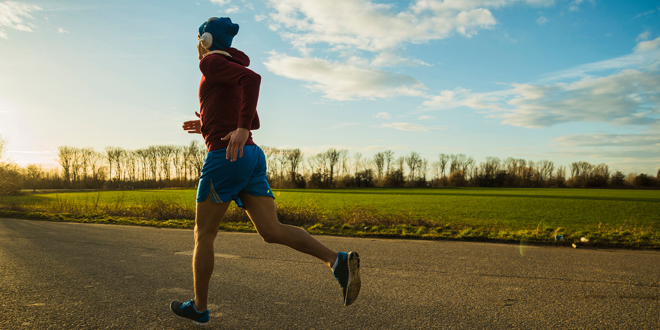 Photo for Tips to avoid 'weekend warrior athlete' sports injuries